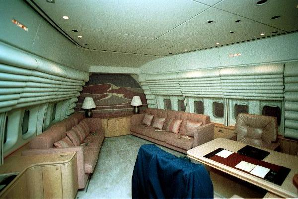President's_private_cabin_aboard_Air_Force_One