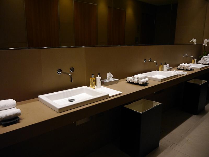 Al Mourjan Bathrooms