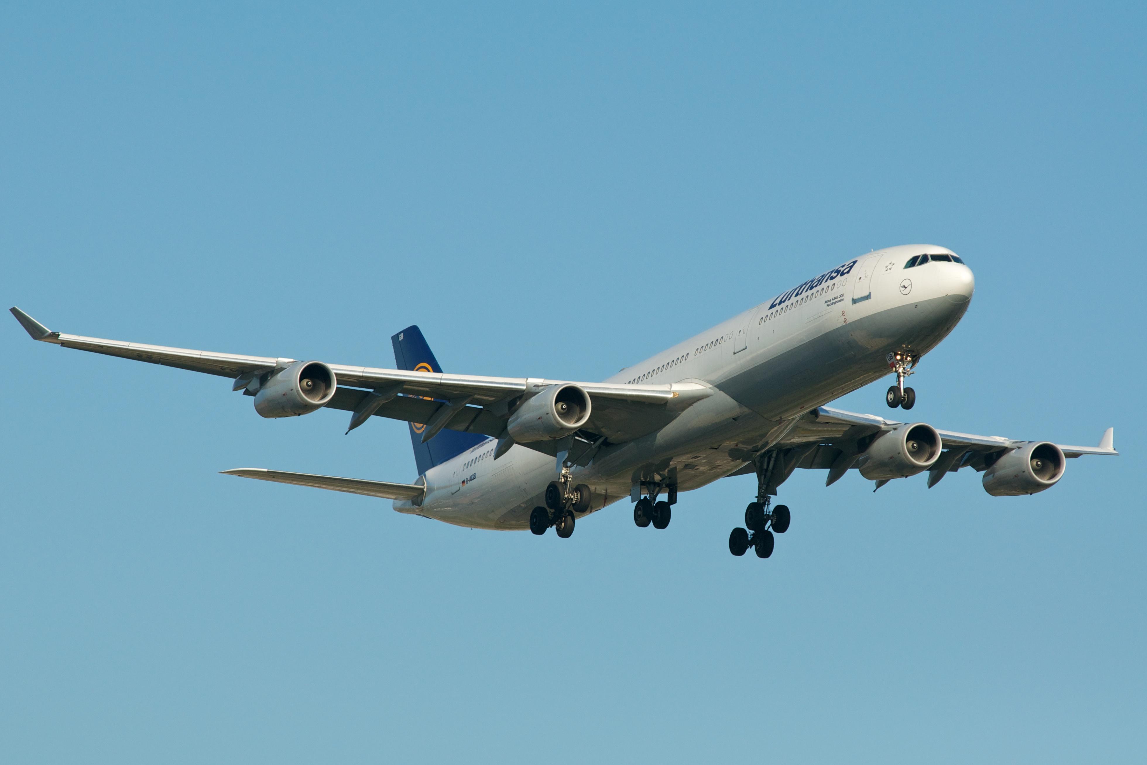 LufthansaA340-300
