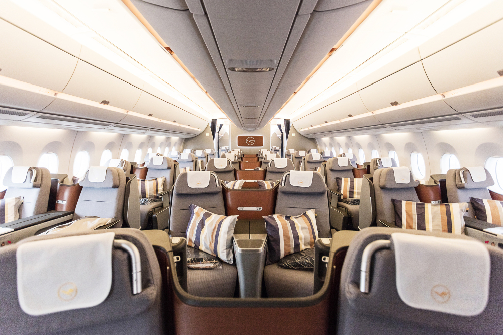 Lufthansa Reveals New A350 900