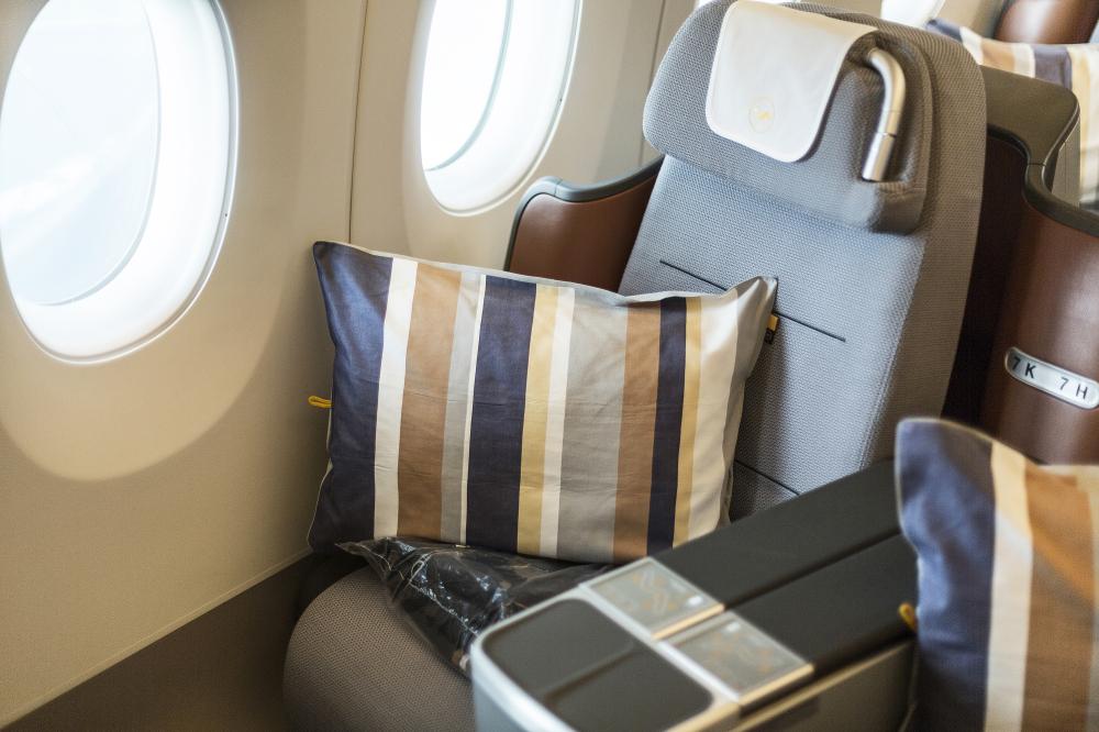 Lufthansa A350-900 Business Class Seat 2017