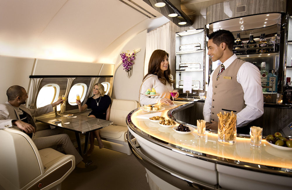 Emirates-A380-Onboard-Lounge-New