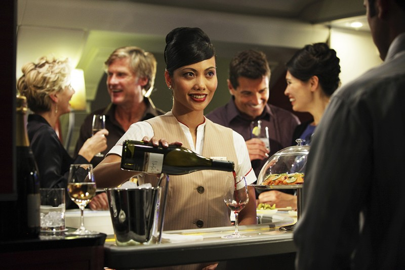Emirates-Wine-Offering-A380-onboard-lounge