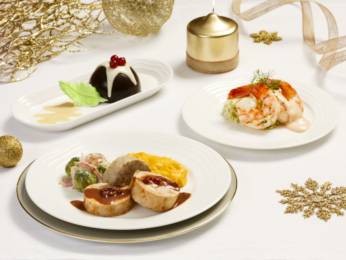 Christmas on a Plane - Emirates First Class Festive Meal