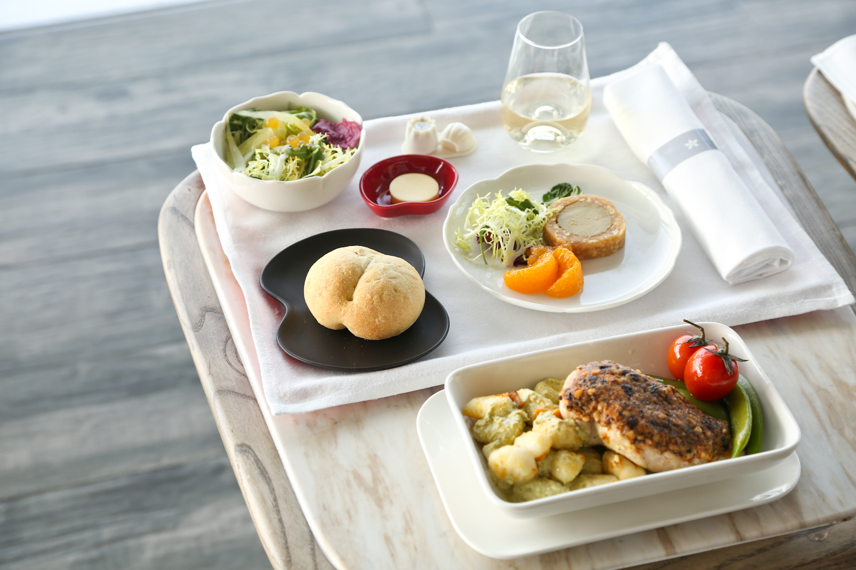 Hong Kong Airlines new Business Class tableware