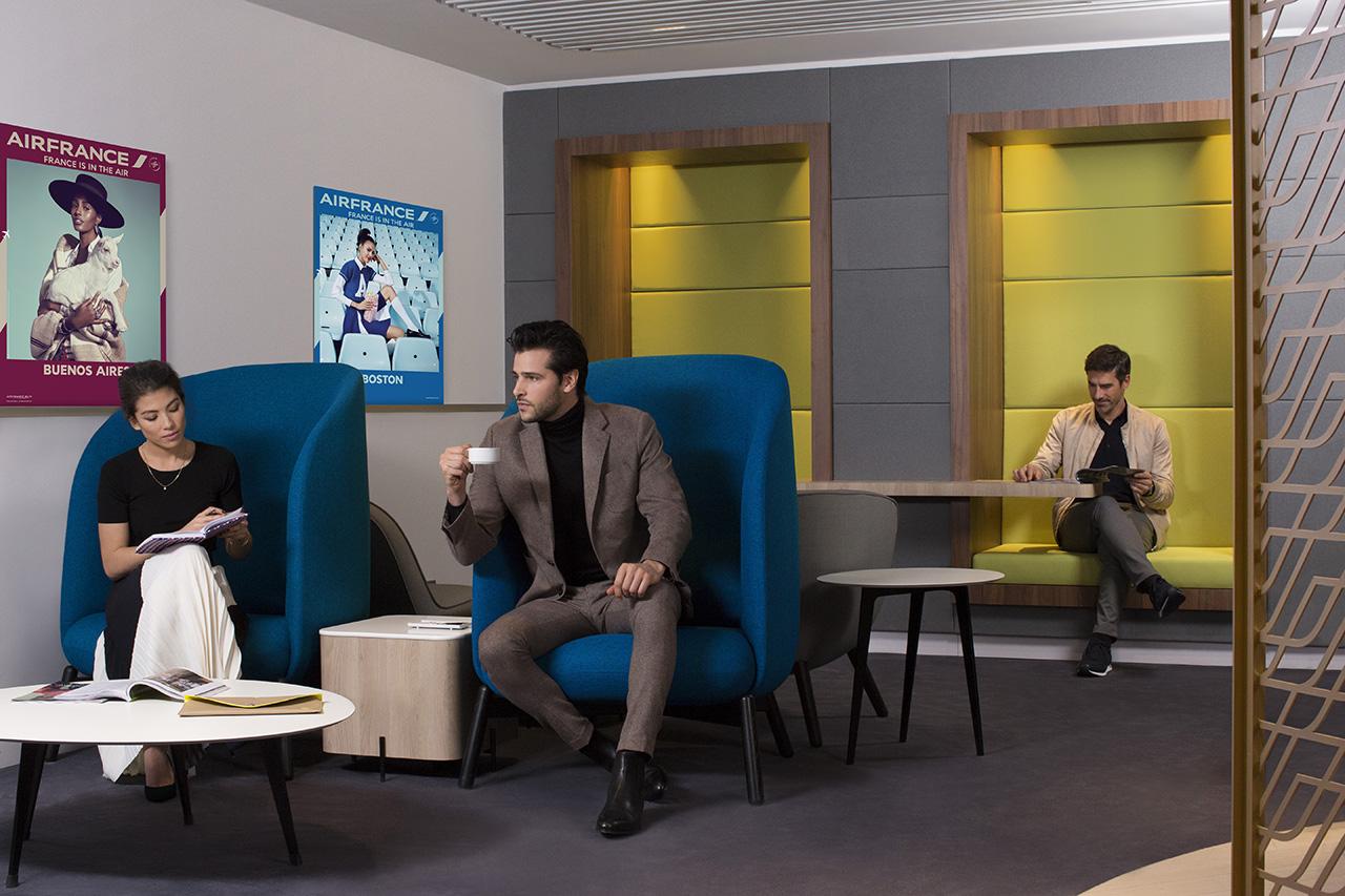 air france opens redesigned lounge in paris. Black Bedroom Furniture Sets. Home Design Ideas