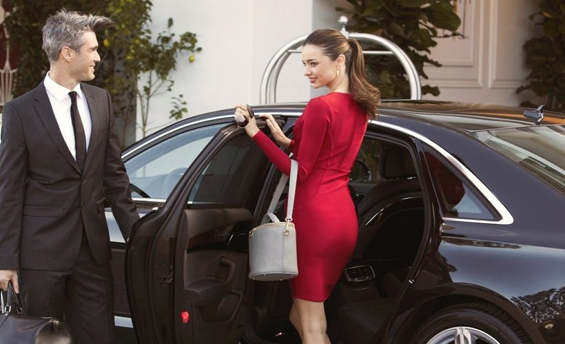 Which airlines offer chauffeur service?