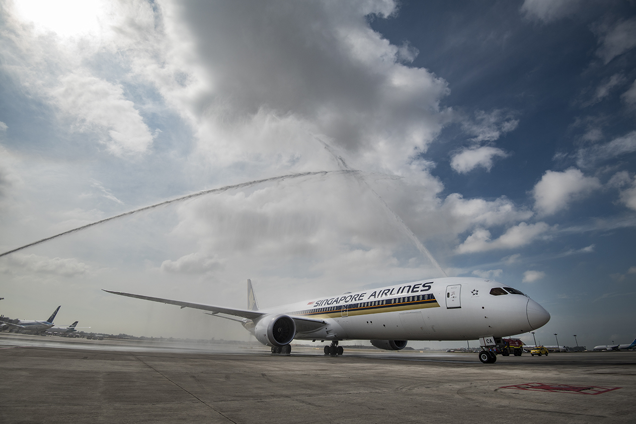 Water Cannon Salute SIA's Boeing 787-10