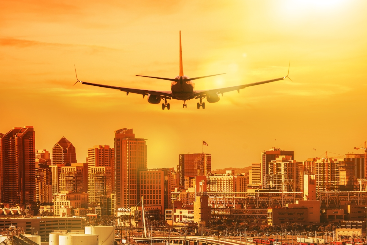 Plane landing in San Diego