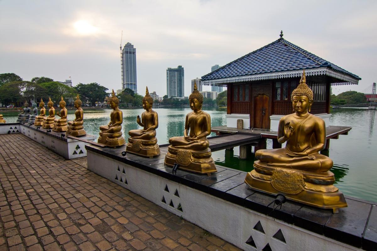 Buddhistische Statuen in der Hauptstadt Colombo